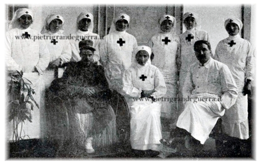 Foto gruppo crocerossine Comitato CRI di Cuneo-S.Croce